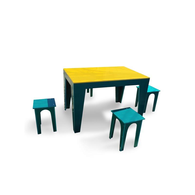 masa-cu-scaune-pentru-gradina